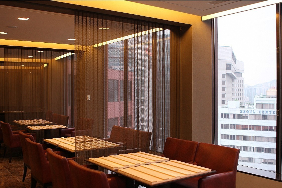 Metal Wire Mesh Curtain In Restaurant 1 Ball Chain